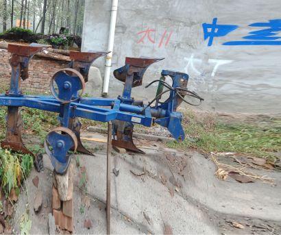瑞丰王1LF-445液压翻转犁