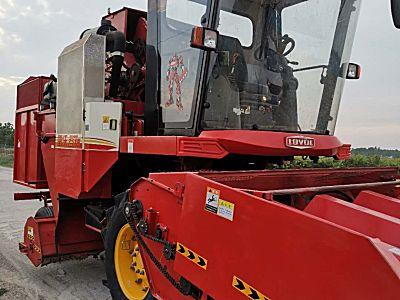雷沃谷神CB04(4YZ-4D1)玉米收获机