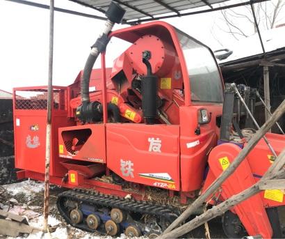 废铁4YZP-2A自走履带式玉米联合收获机