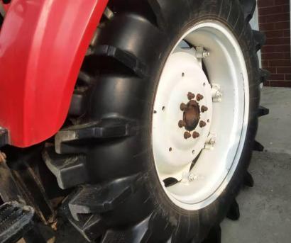 世纪红654拖拉机