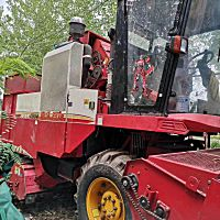 雷沃谷神CB04(4YZ-4D)玉米收割機